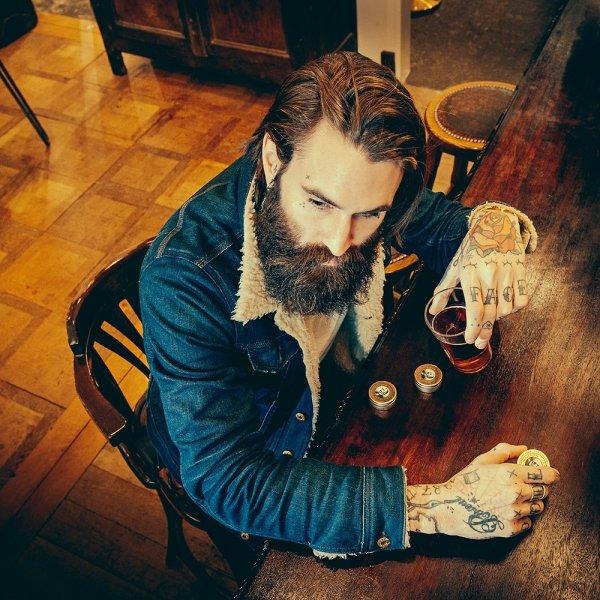 Vosk na fúzy Ricky Hall's Booze & baccata 2